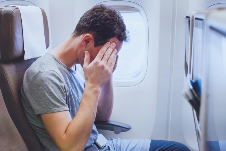 Ужасный полёт: какие попутчики раздражают авиапассажиров? фото 1