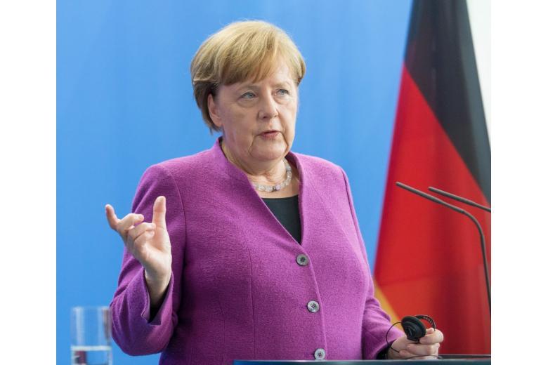 У Меркель нет принципиальных причин не ехать на ЧМ-2018 фото 1