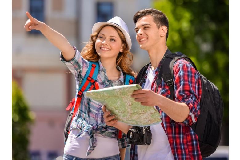 Еврокомиссия предлагает бесплатные туры для молодёжи: как получить фото 1