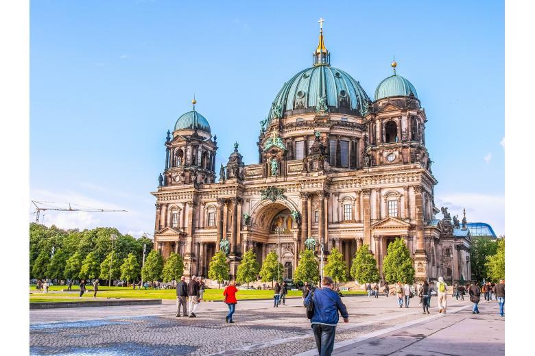 Стрельба в Берлинском соборе: пострадало два человека фото 1
