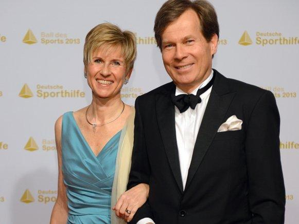 Богатые тоже плачут: самая состоятельная женщина Германии разводится фото 1