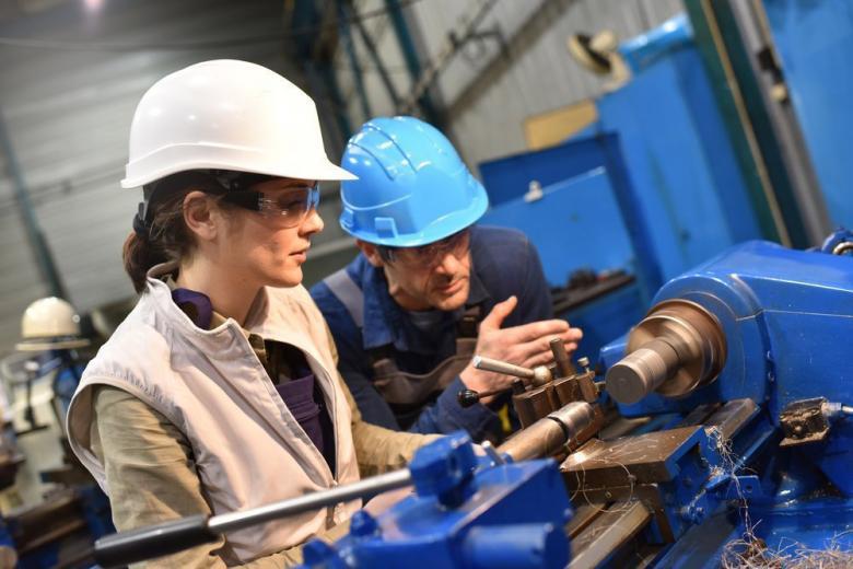 Более 30 % немецких компаний не могут найти работников для стажировок фото 1