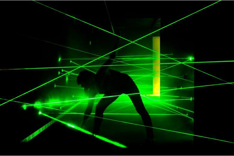 лазерный паркур для шпионов