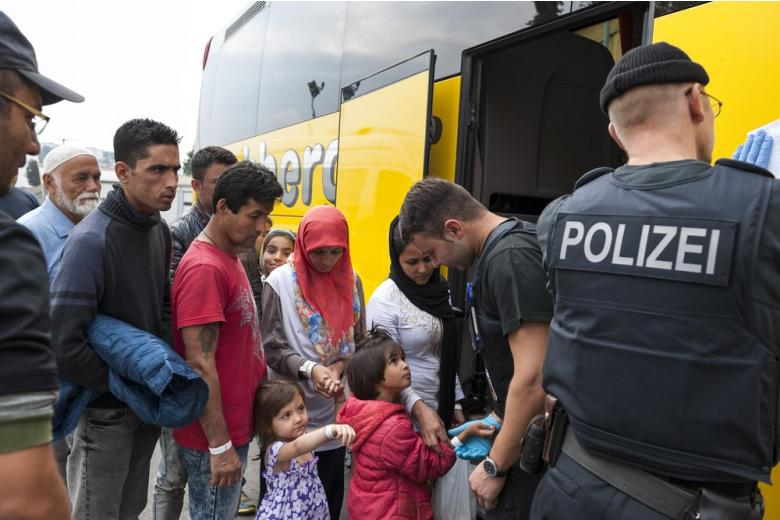 В Греции согласились принимать беженцев, депортируемых из Германии фото 1