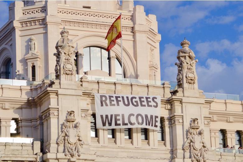 Германия будет отправлять мигрантов вИспанию фото 1