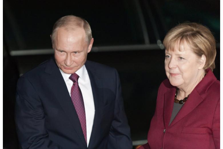Меркель и Путин в Берлине фото