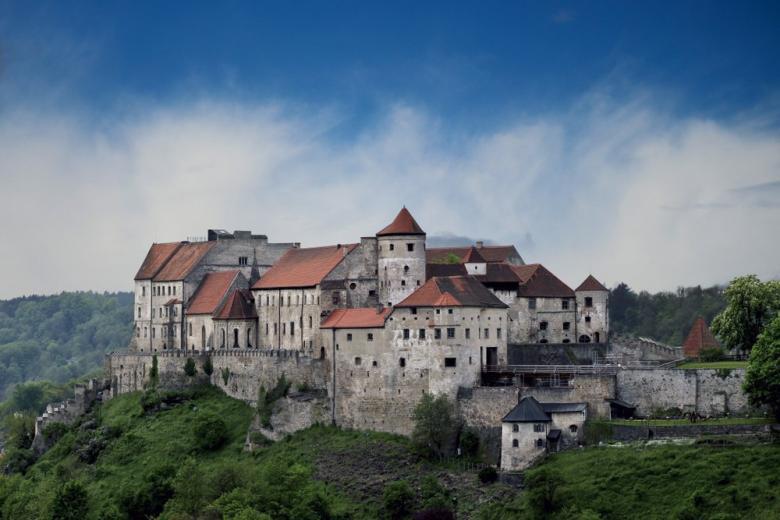 Немецкий Бургхаузен – город с самой длинной в мире крепостью фото 1