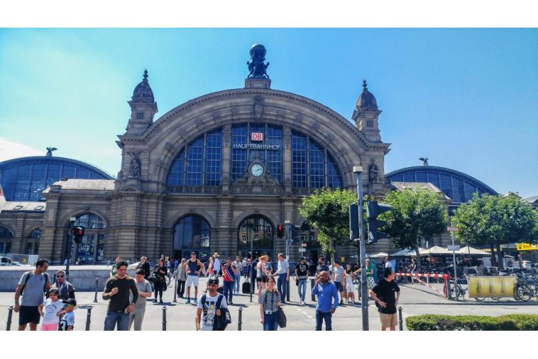 Лучшие железнодорожные вокзалы Германии фото 1