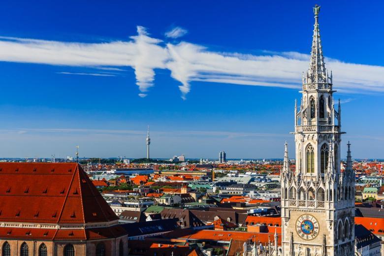 И бегут, и бьют, и глаз радуют: самые красивые часы Германии фото 1