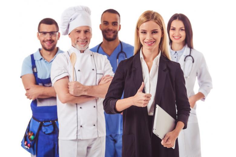 Медсестра, пилот и не только: самые привлекательные мужские и женские профессии фото 1