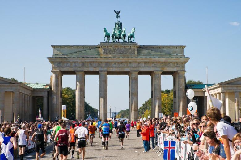 Во время Берлинского марафона был установлен мировой рекорд фото 1