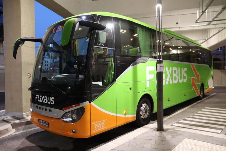 В Германии появился первый междугородний электроавтобус фото 1