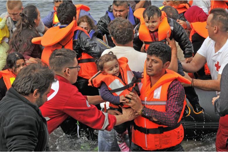 В этом году через Средиземное море в ЕС прибыло более 100 тыс. беженцев фото 1