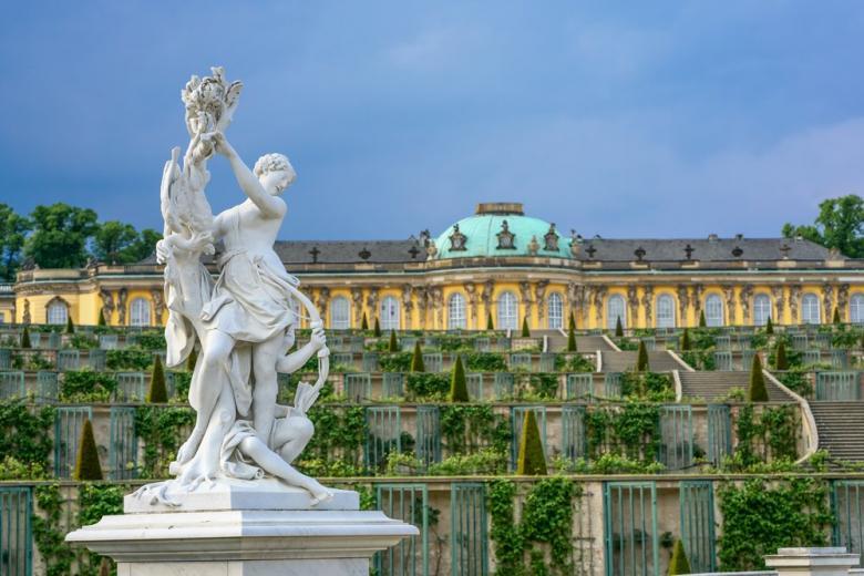 Особенности дворца Сан-Суси в Германии фото 3