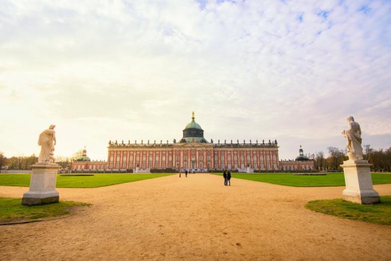 Особенности дворца Сан-Суси в Германии фото 1
