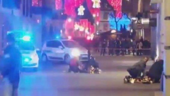 Теракт на рождественском рынке в Страсбурге: виновника ищут в Германии фото 1