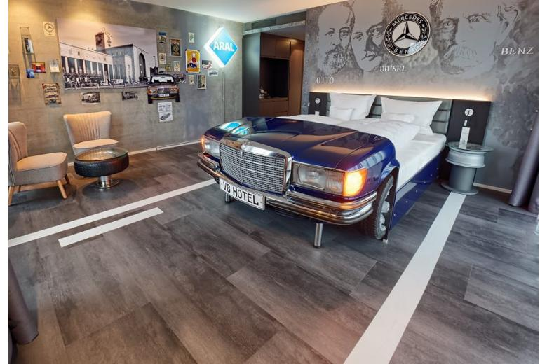Themenzimmer MADE IN GERMANY - V8 HOTEL - das NEUE