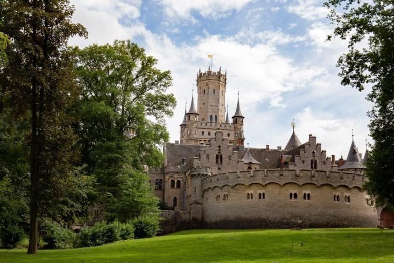 Замок в Нижней Саксонии продали за 1 евро фото 1