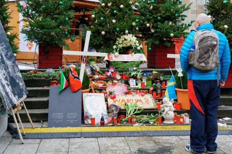Пострадавшим от теракта в Берлине выделили 3,8 млн. евро компенсации фото 1
