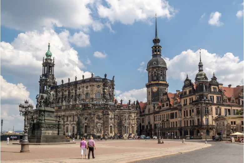 История и особенности Дворцовой церкви в Германии фото 2