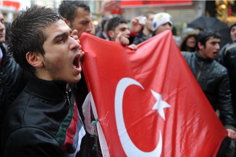 Турок на демонстрации