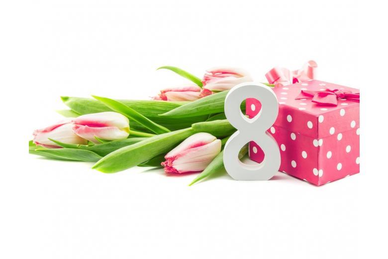 женский день 8 марта, цветы, подарки