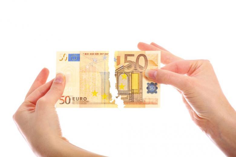 порванная купюра в 50 евро