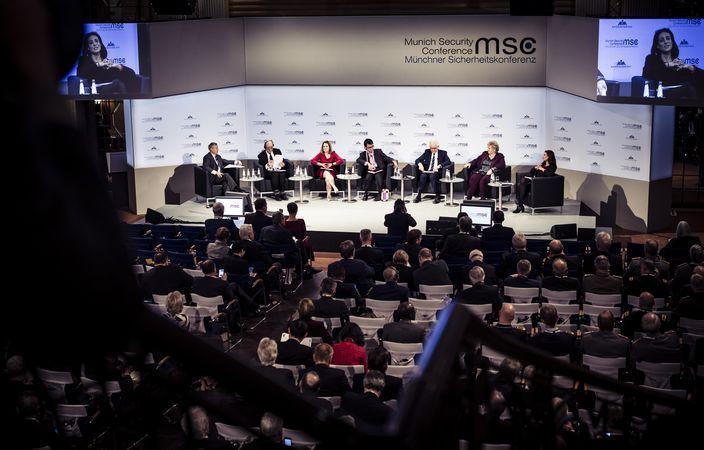 Политики на сцене Мюнхенской конференции