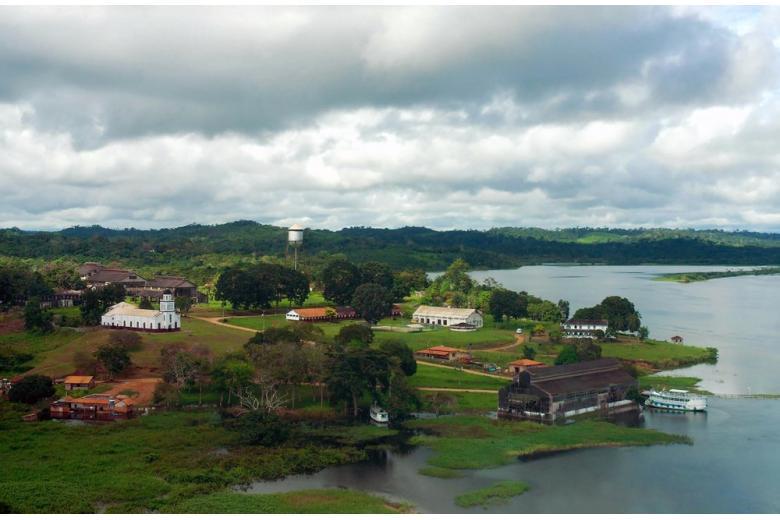 река Амазонка, деревня