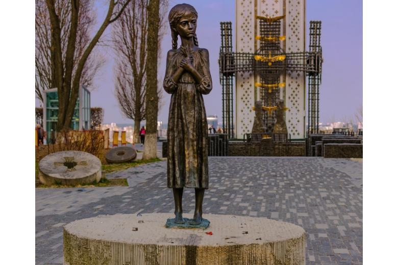 Мемориал жертвам Голодомора