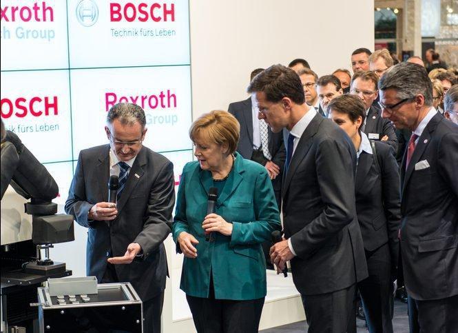 Меркель на промышленной выставке
