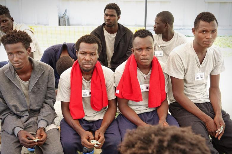 Нигерийские беженцы в приюте