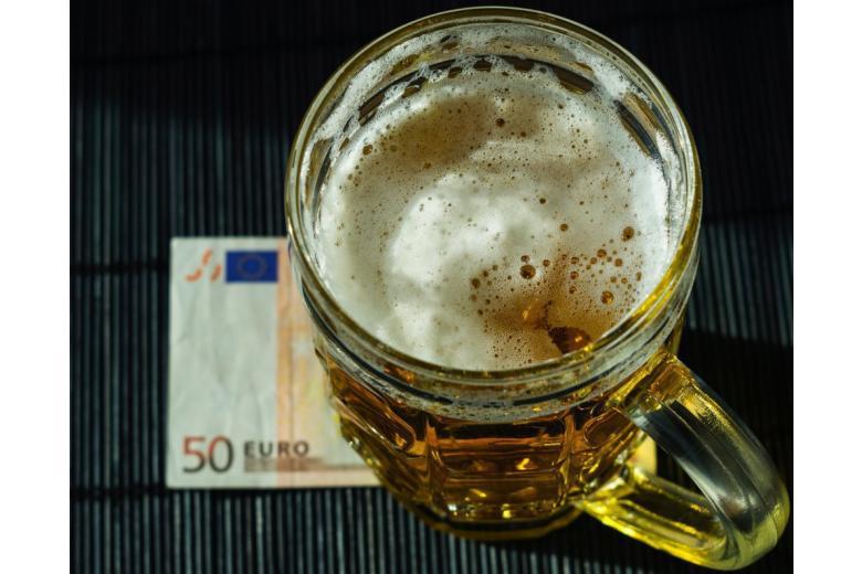 пиво деньги евро