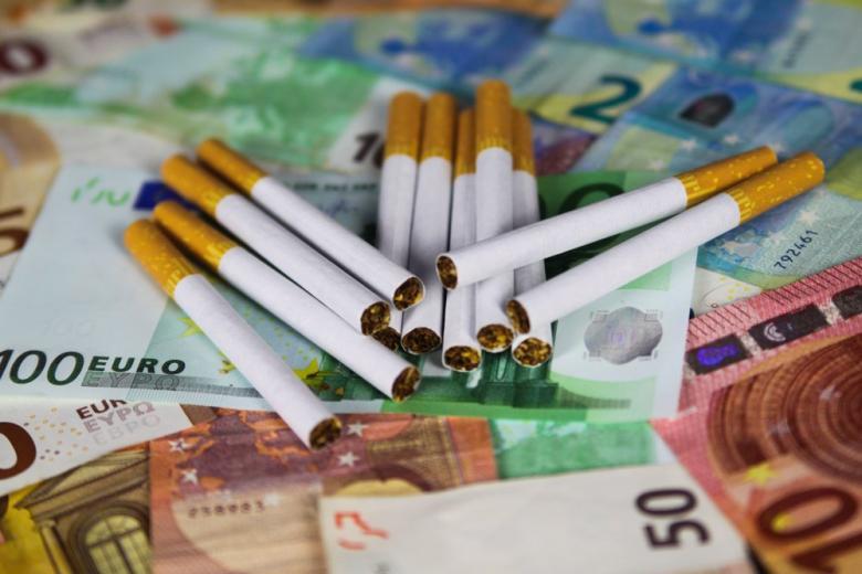 Сигареты деньги