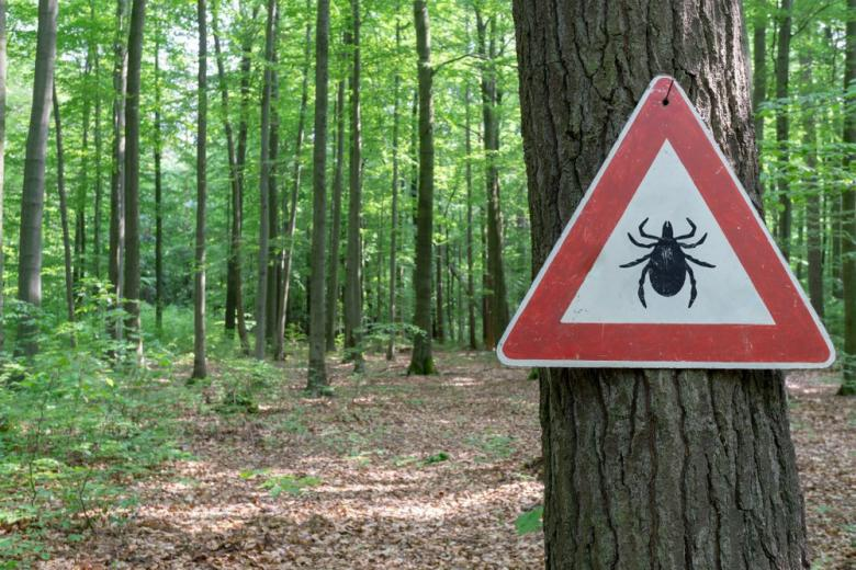 sighn beware of ticks