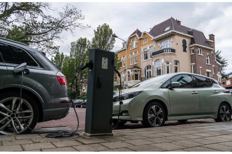 Электромобиль зарядка