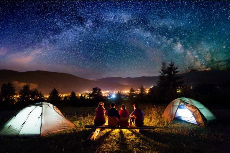 палатки звезды ночь