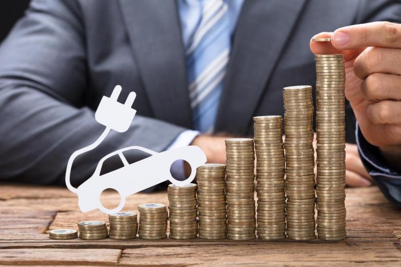 электромобиль деньги