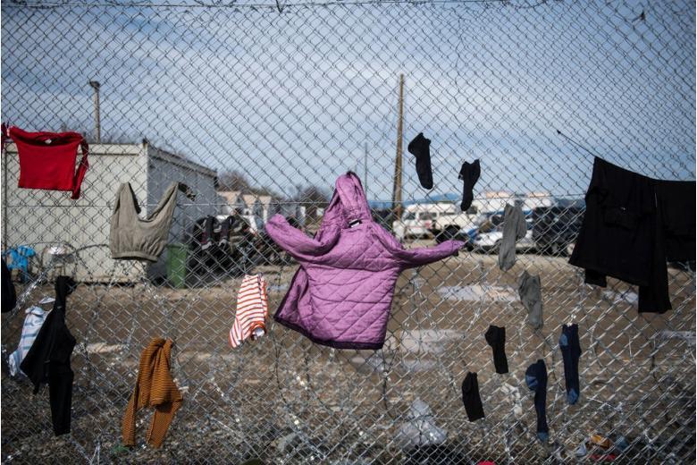 Evrokomissiya-suditsya-s-uegriyei-migrantov