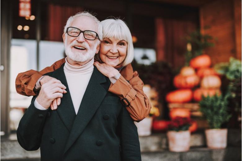 Муж и жена- пенсионеры