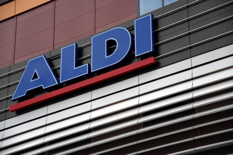 Знак у входа в ALDI в Берлине