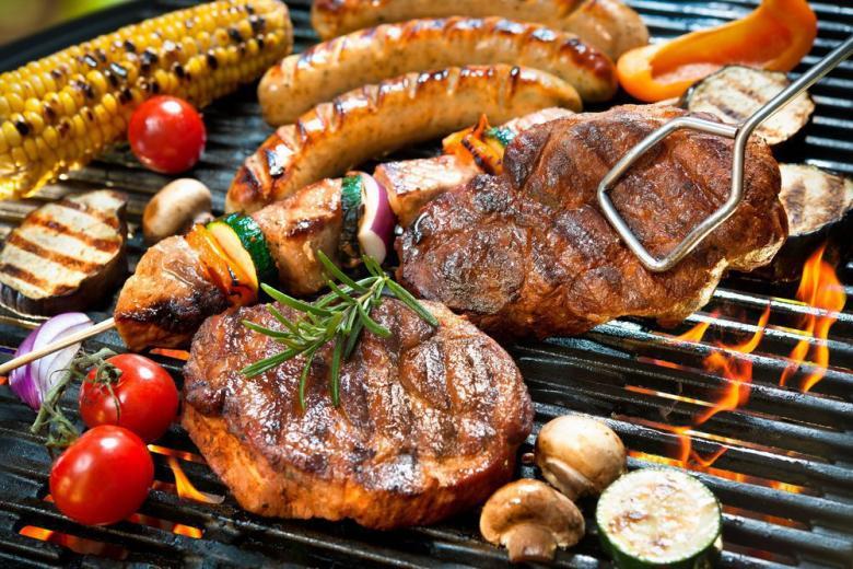 Гриль из мяса и овощей фото