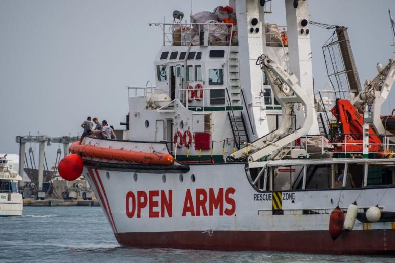 Корабль Open Arms в порту