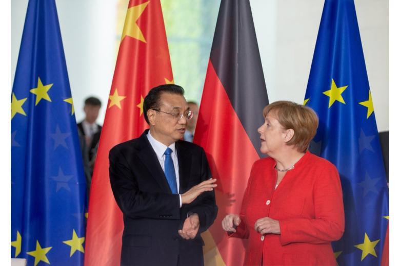 Меркель встречается с представителем Китая в Берлине