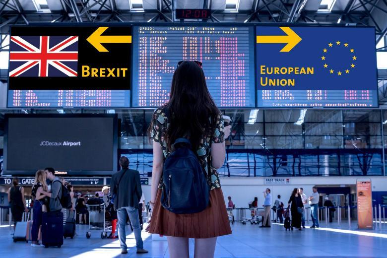 Коллаж - выбор пути ЕС и Британии