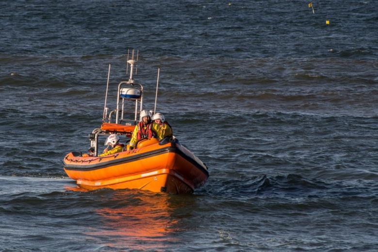 Катер британской береговой охраны