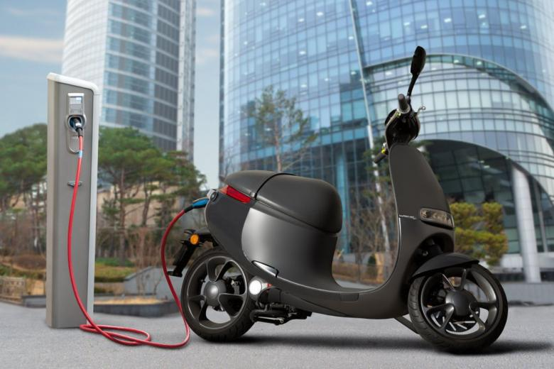 Electric scooter charging