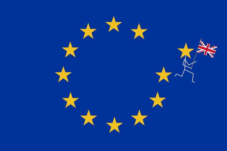 Флаг ЕС с убегающим человечком и флагом Британии