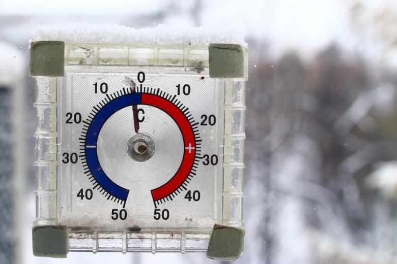 Градусник показывает мороз