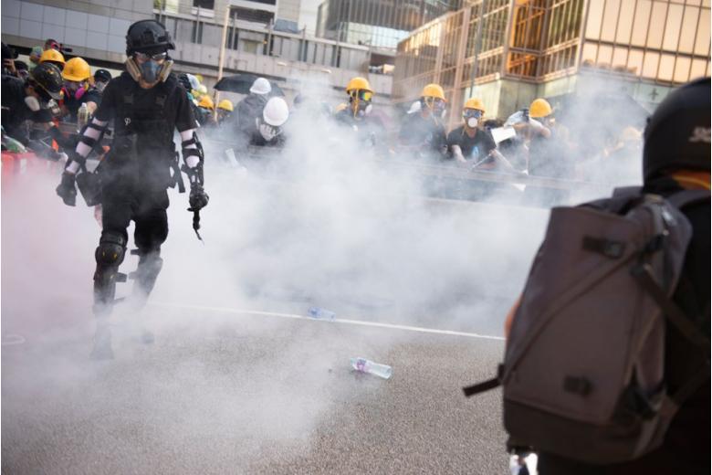 Стычка с полицией в Гонконге
